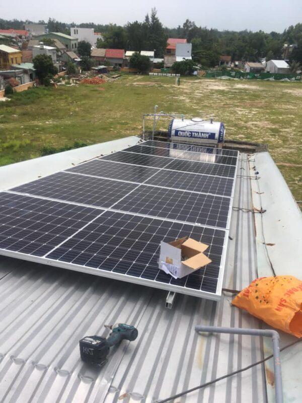 Thi công lắp pin năng lượng mặt trời tại đà nẵng, đội khoảng lắp pin năng lượng mặt trời chuyên nghiệp