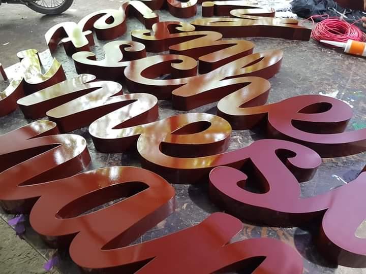 Làm bảng hiệu chữ nổi đẹp tại Đà Nẵng LH: 0974480518 - 0938569427