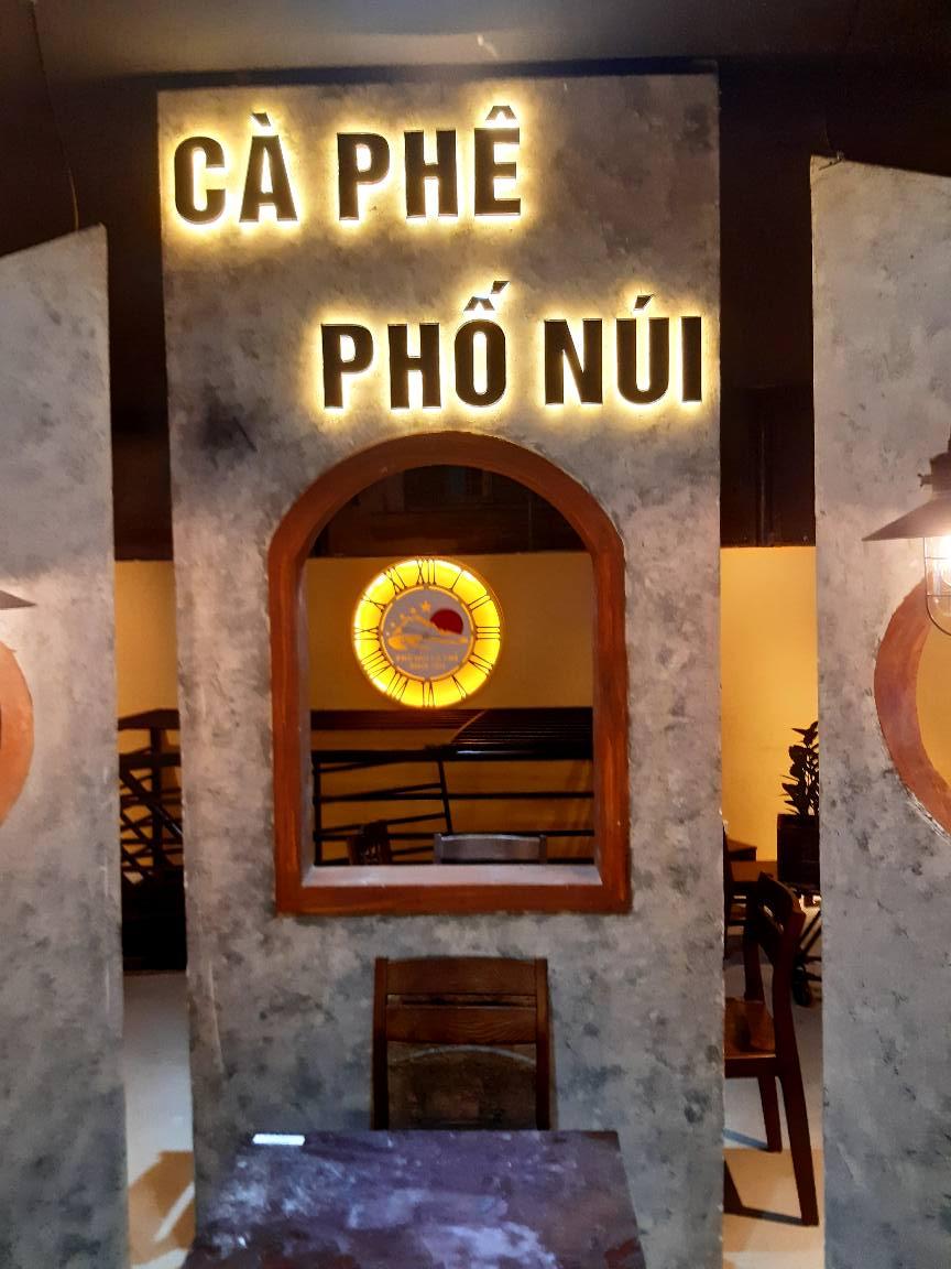 Làm bảng hiệu đèn led tại Đà Nẵng Lh: 097 448 0518